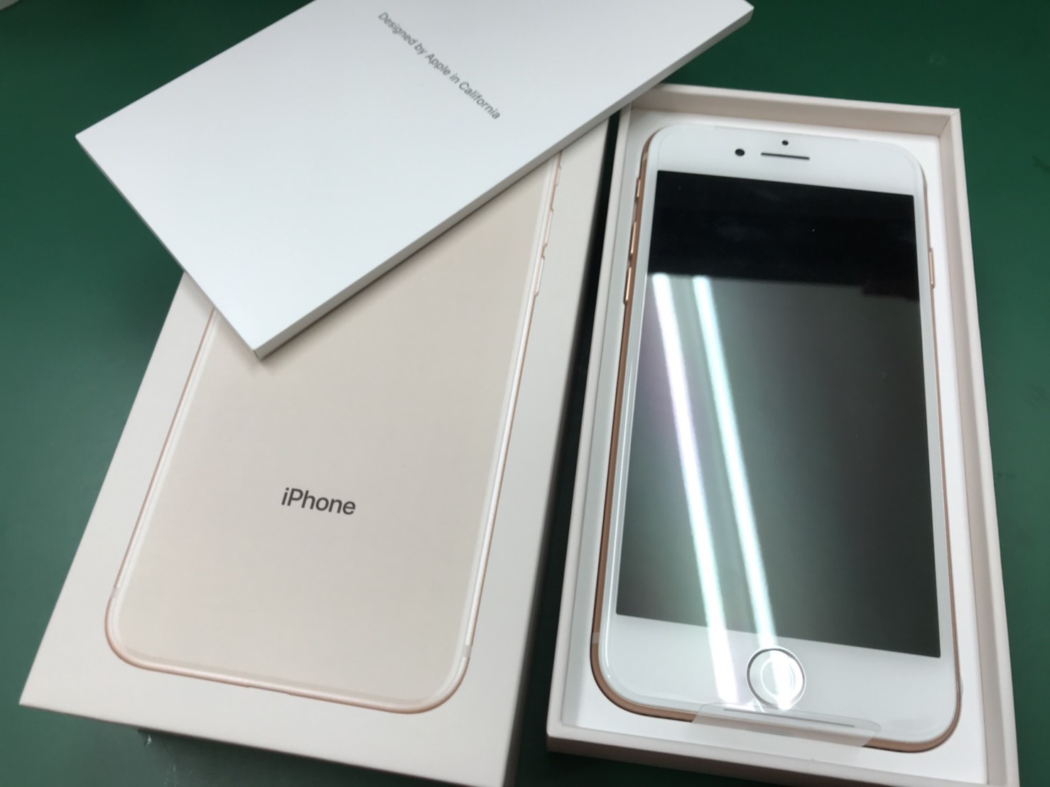 iPhone8au 256GB 買取